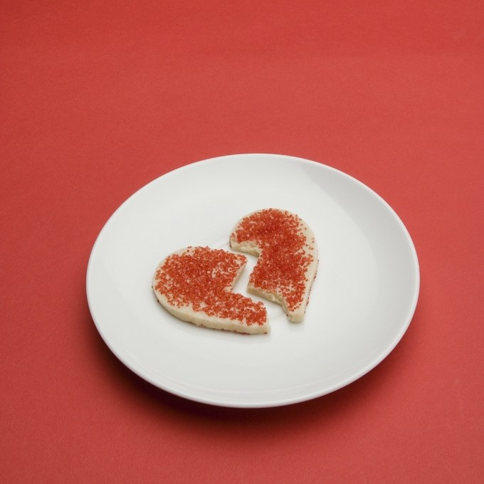 sex-love-life-2012-12-christmas-breakup-cookie-main