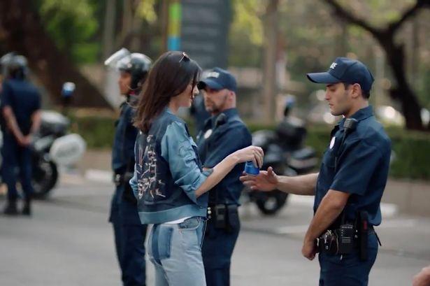 Kendall-Jenner-pepsi-reklam